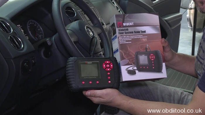 use-vident-ilink400-for-vag-cars-diagnosis-and-service-reset-01