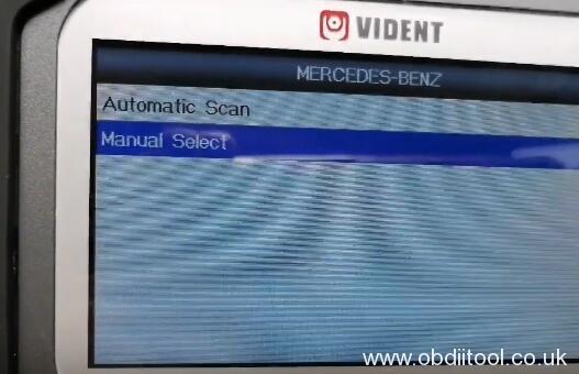 vident-iauto-702pro-benz-e200l-2018-oil-reset-8